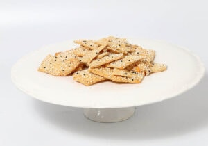 קופסת עוגיות פרמז'ן מלוחות